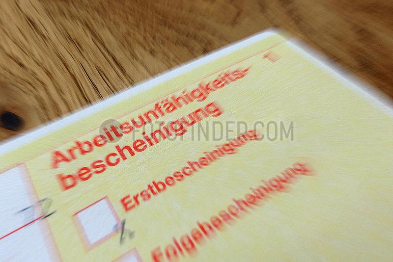 Berlin,  Deutschland,  Symbolfoto,  Arbeitsunfaehigkeitsbescheinigung