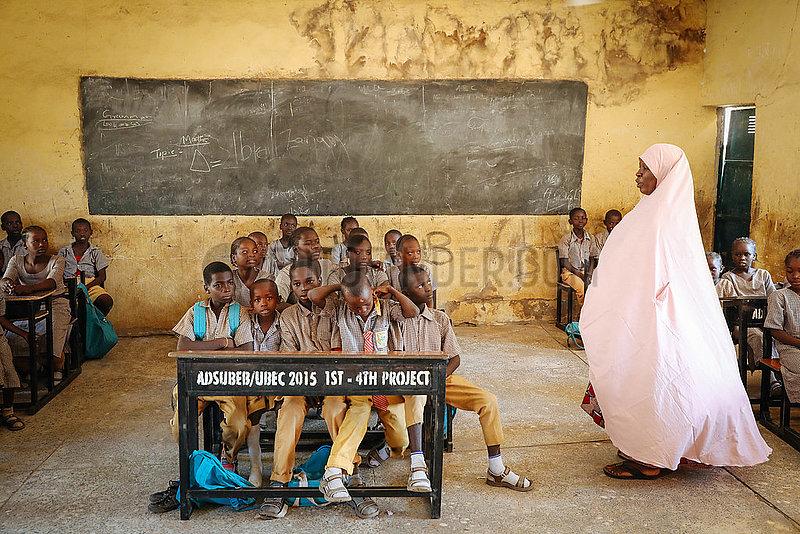Grundschule- Boko Haram Flüchtlinge im IDP Camp St.Theresa's Church Yola