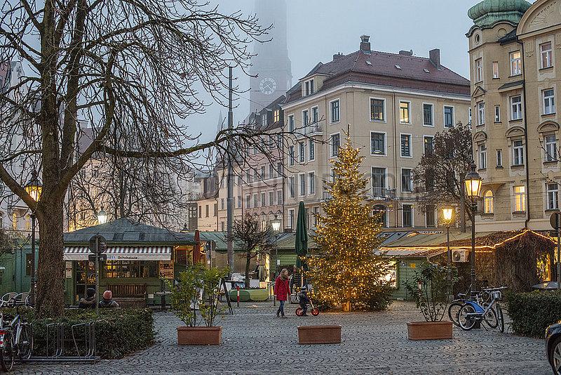 Wiener Platz,  abends,  waehrend hartem Lockdown,  Muenchen,  19.12.2020