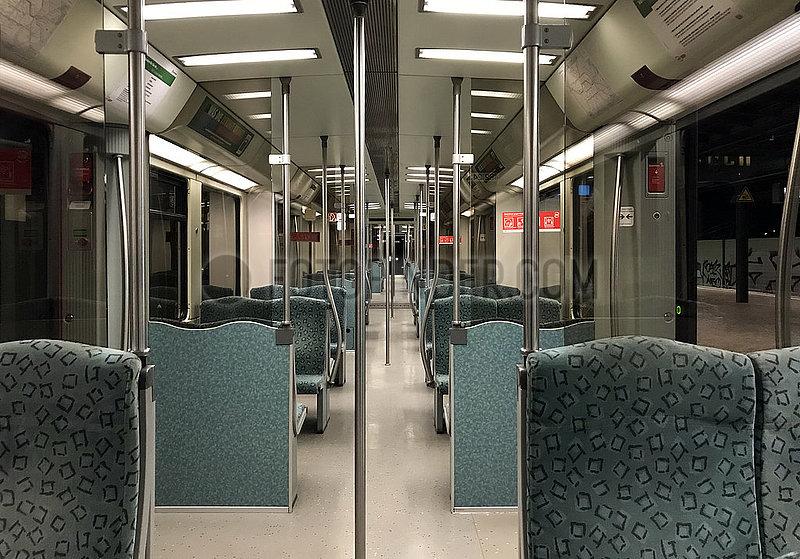 Berlin,  Deutschland,  leerer S-Bahnwaggon