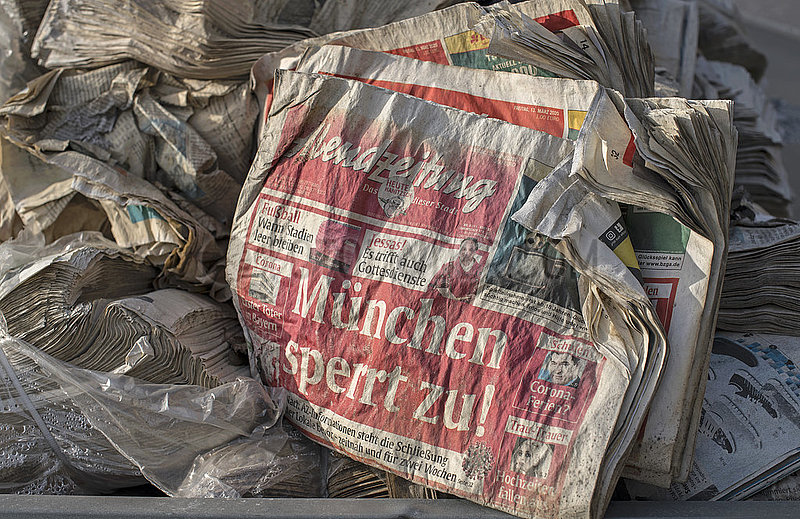 Muenchen sperrt zu,  Schlagzeile der Muenchener Abendzeitung,  Altpapier,  Maerz 2020,  Februar 2021