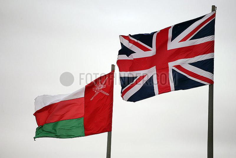 Riad,  Saudi-Arabien,  Nationalfahne des Oman (links) und von Grossbritannien