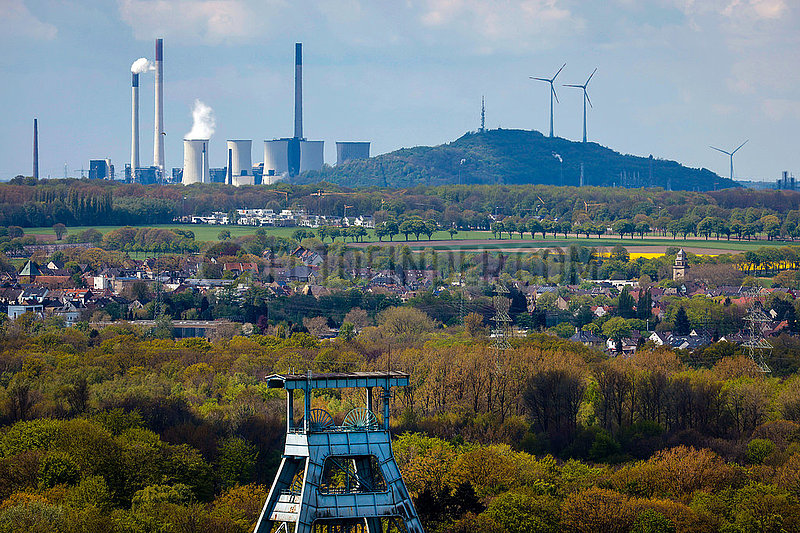 Industrielandschaft im Ruhrgebiet,  Zeche Ewald in Herten,  Uniper Kraftwerk Scholven in Gelsenkirchen,  Ruhrgebiet,  Nordrhein-Westfalen,  Deutschland,  Europa