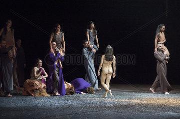 Fotoprobe SACRE   Le Sacre du Printemps   Regie und Choreographie: Sasha Waltz