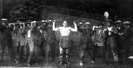 Der staerkste Mann der Welt  1910