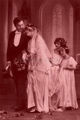1920  Hochzeitpaar Brautjungfern