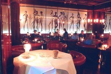 D-Berlin: Innenbereich der Newton Bar