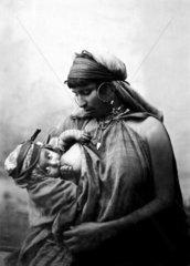stillende Mutter mit Baby