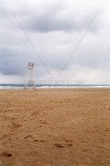 Santander  Wachturm am Strand