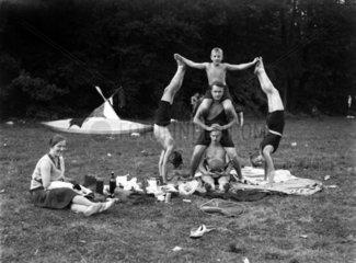 Akrobatik beim Picknick