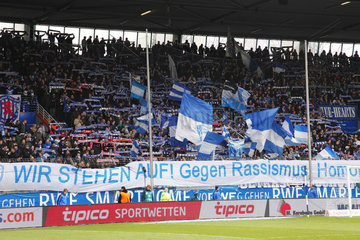 Bochumer Fankurve im rewirpowerstadion  Protest gegen Rassismus  Fussball  2. Bundesliga  2012/2013  VfL Bochum gegen Eintracht Braunschweig 0:1