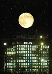Vollmond ueber Philips
