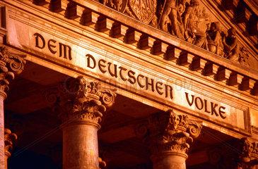 D Berlin Reichstagsinschrift: Dem Deutschen Volke