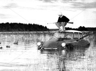 Mann Jagd See Citroen