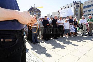 Protest der Pius-Bruderschaft Deutschland gegen den CSD in Stuttgart.