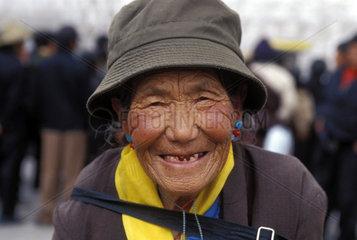 alte  lachende Frau