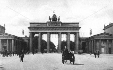 D-Berlin Brandburger Tor von Carl Gotthard v. Langhans 1788-91 erbaut