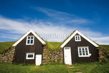 Traditional turf houses  Skaftafell National Park  Iceland