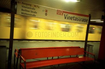 Die U-Bahn-Station Vinetastrasse in Berlin.