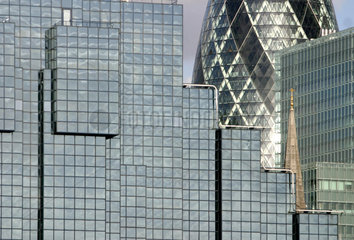 The new face of London s financial centre  the Swiss Re tower.