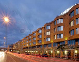 Le Meridien statt Interconti: das neue Fuenf-Sterne-Hotel oeffnete am 15. November 2004.