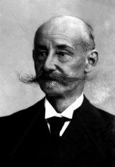 alter Mann mit Bart  1920