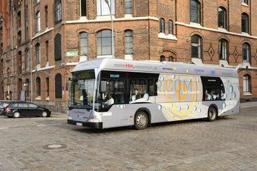 Wasserstoff-betriebender Bus In Hamburg  Deutschland.