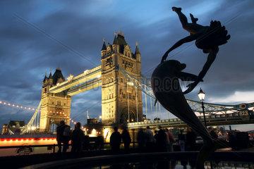 London - Tower Bridge bei Nacht