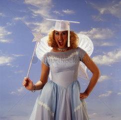 blonde Frau als Engel