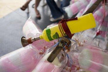 Hupe eines Zuckerwatte-Verkaeufers / Bangkok / Thailand / SUEDOSTASIEN-REISE