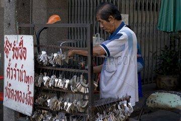 Schluesselmacher/Schlosser an der Charoen Krung Road / Bangkok / Thailand /