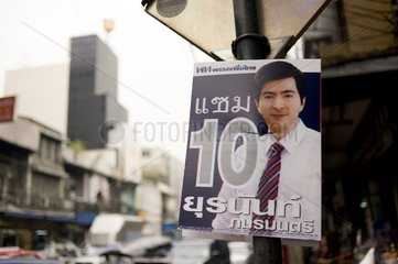 Wahlplakat des Premierministers Abhisit Vejjajiva / Bangkok / Thailand / SU