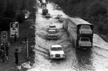 ueberschwemmte Strasse