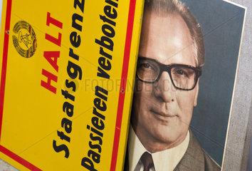 DDR Grenzschild  Honecker-Foto  1978