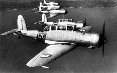Flugzeuge in einer Reihe