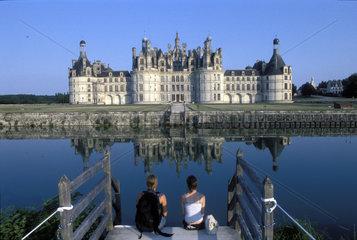 Schloss Chambord spiegelt sich im Wasser