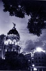 Spanien - Madrid - das Metropolis Haus an der Gran Via bei Nacht