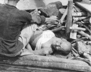 Zweiter Weltkrieg  Bergen eines Chinesen