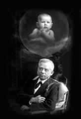 alter Mann erinnert sich an sich selbst als Baby