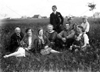 Familie  10 Personen  1910