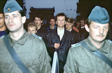 Michael Kuehnen  Neonazifuehrer  Dresden  1990