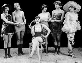 Mode um 1920