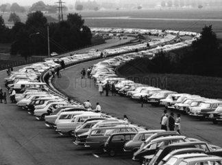 Autobahn als Parkplatz