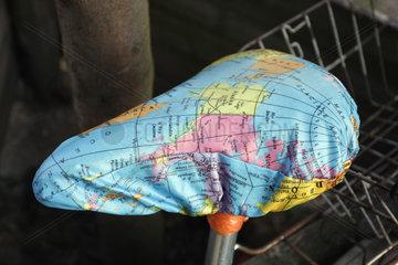 Globus Sattelkunst