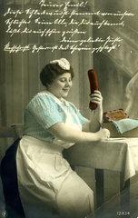 Haushaelterin schreibt Einkaufszettel  1920