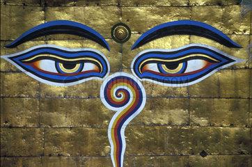 Augen auf goldenem Untergrund gemalt