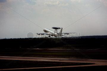 Bei einem AWACS Manoever zur Sicherheitsvorbereitung fuer die Weltmeisterschaft 2006