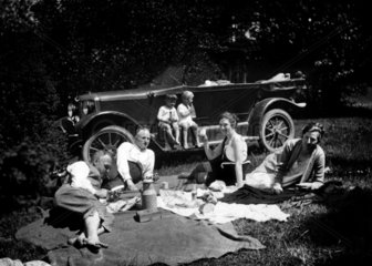 Ausflug im Gruenen 1927
