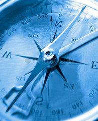tiefblaue Kompass Lunette