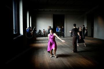 Sasha Waltz ballet performs at Neues Museum